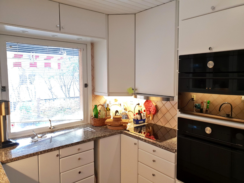 Nylackerat kök samt invändig målning